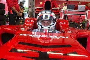 Daniel Serra testa Ferrari em Mugello
