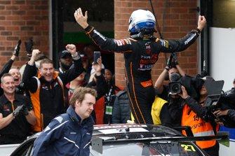 Yarış galibi Dan Cammish, Halfords Yuasa Team Dynamics Honda Civic
