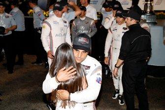 #6 Acura Team Penske Acura DPi, DPi: Juan Pablo Montoya and daughter