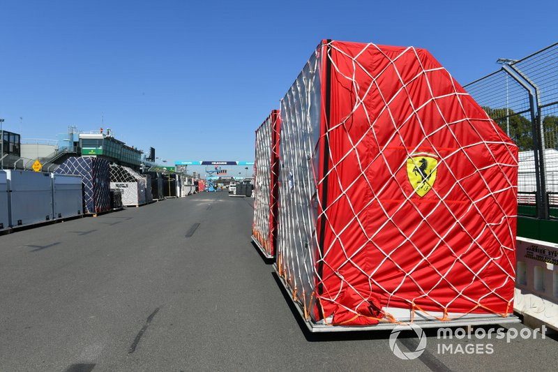 Llegada del equipo Ferrari