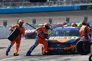 Chris Buescher, Roush Fenway Racing, Ford Mustang SunnyD, makes a pit stop