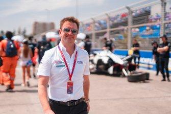Allan McNish, Team Principal, Audi Sport Abt Schaeffler on the grid