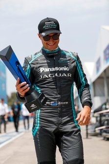 Mitch Evans, Panasonic Jaguar Racing, con il pole position award