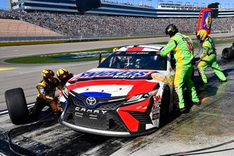 Kyle Busch, Joe Gibbs Racing, Toyota Camry Snickers White