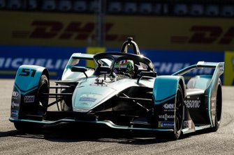 Sacha Fenestraz, Rookie Test Driver per Panasonic Jaguar Racing, Jaguar I-Type 4