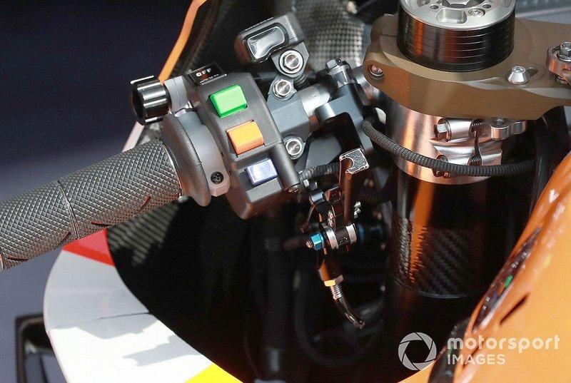 Le guidon de la Honda de Marc Márquez