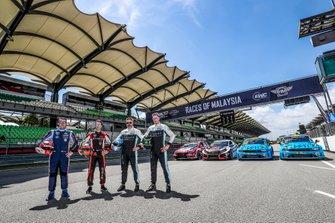 Gruppenfoto: Die WTCR-Titelkandidaten 2019 beim Finale: Norbert Michelisz, Esteban Guerrieri, Yvan Muller, Thed Björk