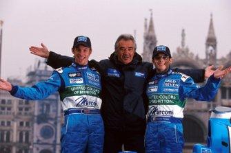 Руководитель команды Флавио Бриаторе, гонщики Дженсон Баттон и Джанкарло Физикелла