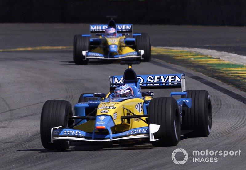 6. Renault - 17 años, 10 meses y 18 días