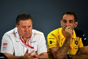 Zak Brown, Executive Director, McLaren, en Cyril Abiteboul, Managing Director, Renault F1 Team