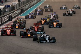 Lewis Hamilton, Mercedes AMG F1 W10, leads Max Verstappen, Red Bull Racing RB15, Charles Leclerc, Ferrari SF90, Sebastian Vettel, Ferrari SF90, Alexander Albon, Red Bull RB15, Lando Norris, McLaren MCL34 and the rest of the pack at the start