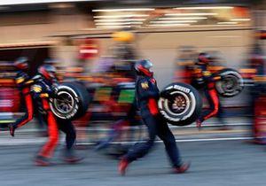Пит-стоп Алекса Элбона, Red Bull Racing RB16