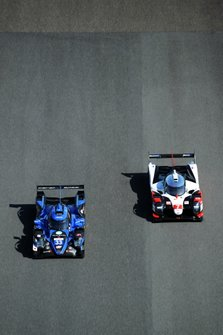 #33 High Class Racing Oreca 07 - Gibson: Mark Patterson, Kenta Yamashita, Anders Fjordbach, #7 Toyota Gazoo Racing Toyota TS050 - Hybrid: Mike Conway, Kamui Kobayashi, Jose Maria Lopez