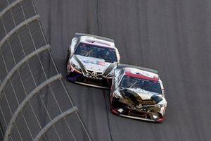Erik Jones, Joe Gibbs Racing, Toyota Camry Sports Clips and Denny Hamlin, Joe Gibbs Racing, Toyota Camry FedEx Express