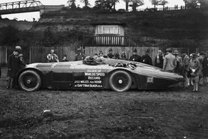 Henry Segrave demonstrated the 1000hp Sunbeam in pouring rain