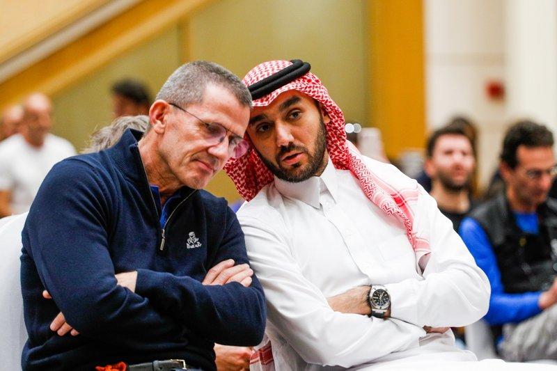 Abdulaziz bin Turki Al Saud en Yann le Moenner, directeur ASO