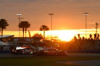 #6 Acura Team Penske Acura DPi, DPi: Juan Pablo Montoya, Dane Cameron, Simon Pagenaud, #31 Whelen Engineering Racing Cadillac DPi, DPi: Filipe Albuquerque, Pipo Derani, Mike Conway, Felipe Nasr