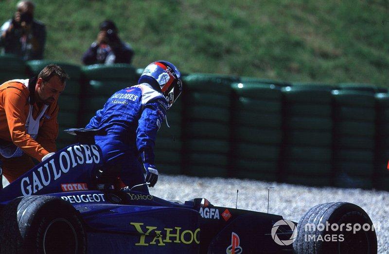 Jean Alesi, Prost AP03 Peugeot valt uit