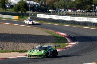 #12 Dinamic Motorsport Porsche 911 GT3 R: Laurens Vanthoor, Earl Bamber, Matt Campbell