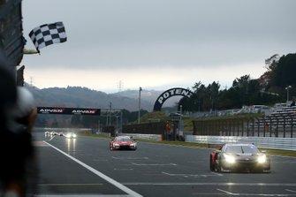 El ganador: Narain Karthikeyan, Nakajima Racing Honda NSX-GT