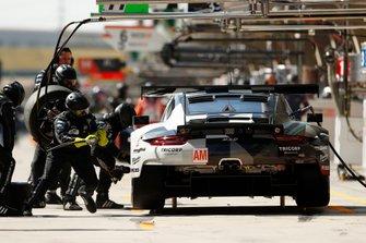 #88 Dempsey-Proton Racing Porsche 911 RSR: Thomas Preining, William Bamber, Angelo Negro
