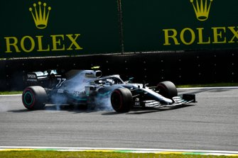 Valtteri Bottas, Mercedes AMG W10 lock up