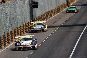 #98 ROWE Racing Porsche 911 GT3 R: Earl Bamber, #99 ROWE Racing Porsche 911 GT3 R: Laurens Vanthoor