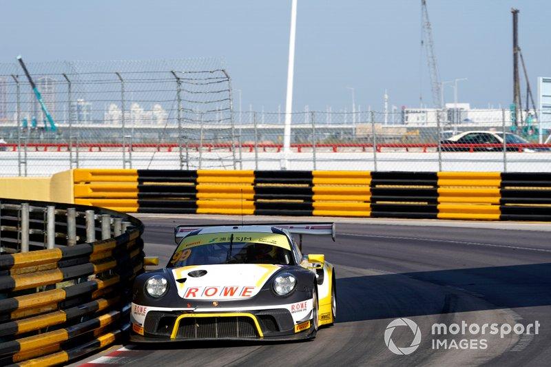 #99 ROWE Racing Porsche 911 GT3 R: Laurens Vanthoor