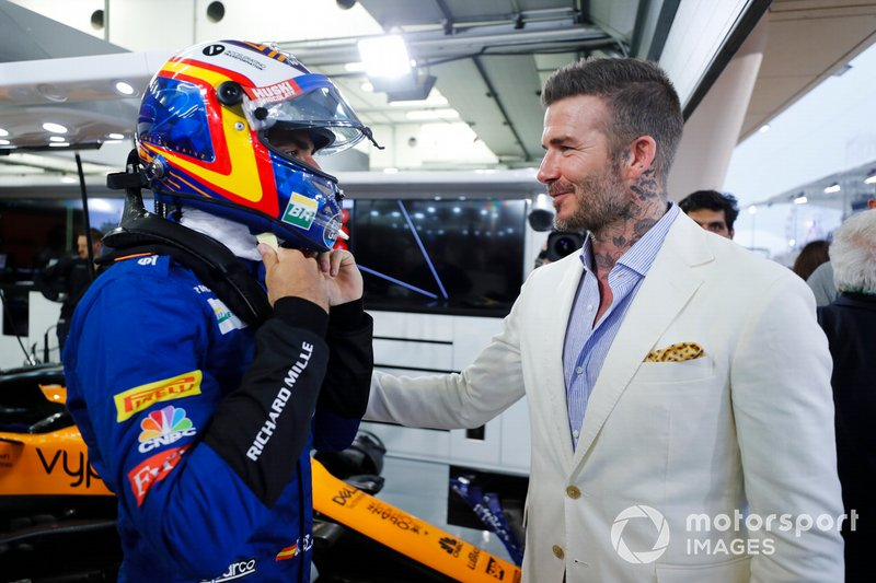 Carlos Sainz Jr., McLaren y David Beckham