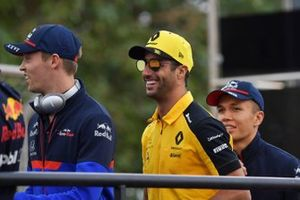 Daniil Kvyat, Toro Rosso, and Daniel Ricciardo, Renault F1 Team, in the drivers parade
