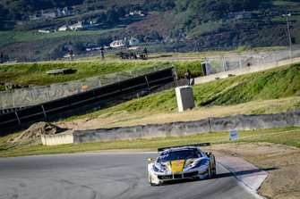 #27 HubAuto Corsa Ferrari 488 GT3: Nick Foster, Tim Slade, Miguel Molina