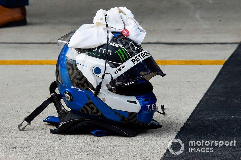 Il casco di Valtteri Bottas, Mercedes AMG F1, secondo, al Parco Chiuso