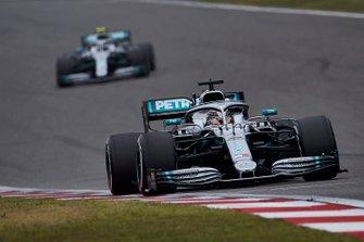 Льюис Хэмилтон и Валттери Боттас, Mercedes AMG F1 W10