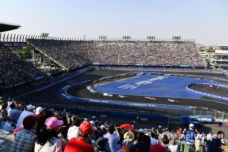 Oliver Rowland, Nissan e.Dams, Nissan IMO1, precede Lucas Di Grassi, Audi Sport ABT Schaeffler, Audi e-tron FE05