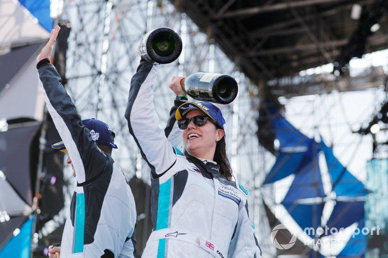 Katherine Legge, Rahal Letterman Lanigan Racing celebrates victory on the podium