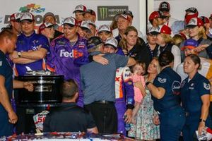 Denny Hamlin, Joe Gibbs Racing, Toyota Camry FedEx Express in victory lane with Coach Joe Gibbs