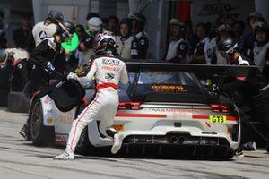 #918 Panther/AAS Motorsport Porsche 911 GT3 R: Vutthikorn Inthraphuvasak, Alexandre Imperatori