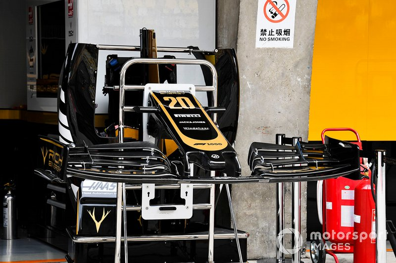 Haas F1 Team VF-19 front wing detail