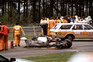 Crash: Gilles Villeneuve, Ferrari 126C2