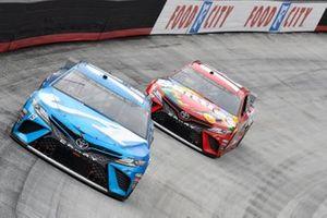 Martin Truex Jr., Joe Gibbs Racing, Toyota Camry Auto Owners Insurance, Kyle Busch, Joe Gibbs Racing, Toyota Camry Skittles