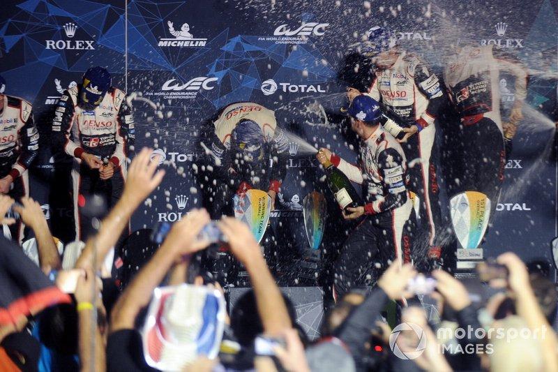 Podio: #8 Toyota Gazoo Racing Toyota TS050: Sébastien Buemi, Kazuki Nakajima, Fernando Alonso