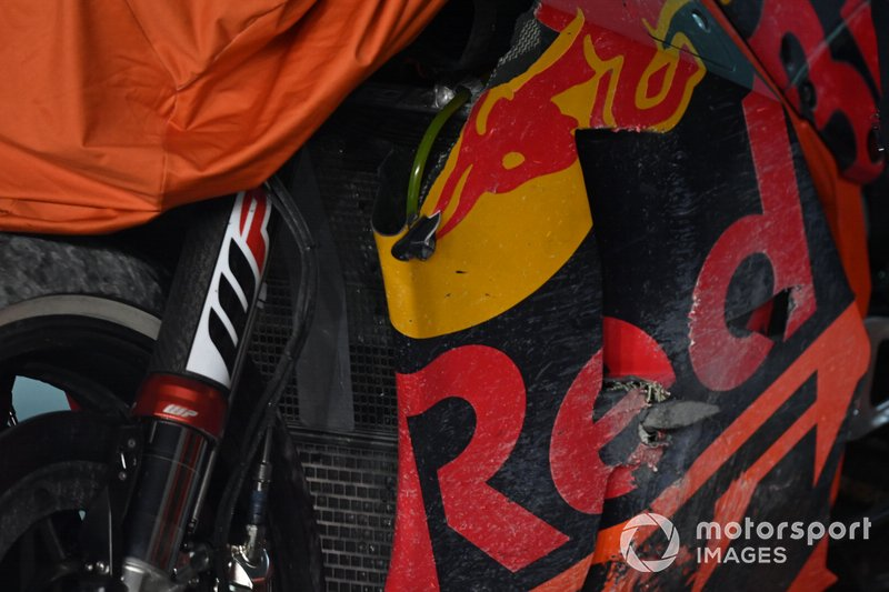 La moto chocada de Johann Zarco, Red Bull KTM Factory Racing