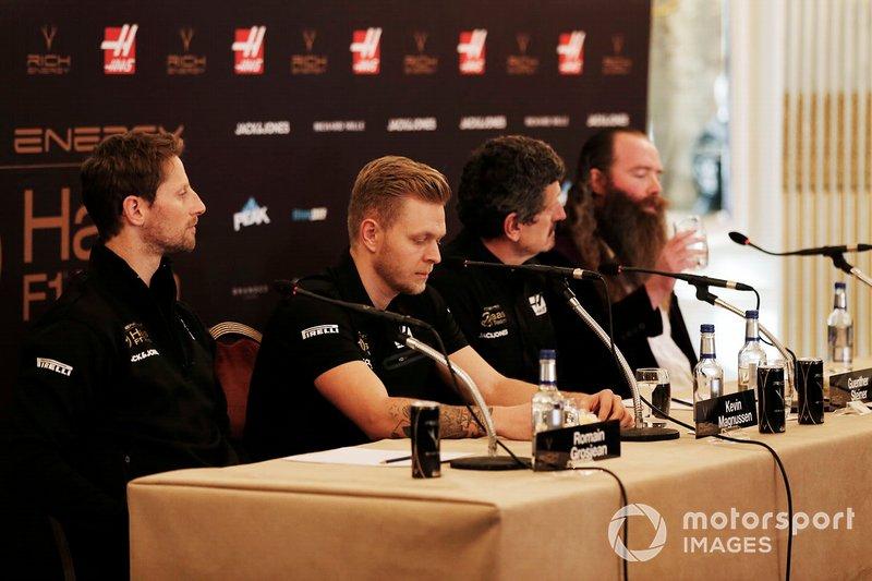 Romain Grosjean, Haas F1 Team, Kevin Magnussen, Haas F1 Team, Guenther Steiner, Team Principal, Haas F1, William Storey, CEO Rich Energy