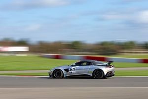 #61 Academy Motorsport Aston Martin Vantage GT4 2019: Micah Stanley, Ben Hurst
