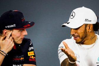 Max Verstappen, Red Bull Racing, en Lewis Hamilton, Mercedes AMG F1, in de persconferentie