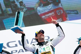 Cacá Bueno, Jaguar Brazil Racing, celebrates on the podium