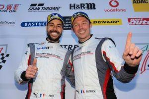 Podyum :#912 Manthey-Racing Porsche 911 GT3 R: Fred Makowiecki, Patrick Pilet