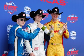 Colton Herta, Harding Steinbrenner Racing Honda, Josef Newgarden, Team Penske Chevrolet, Ryan Hunter-Reay, Andretti Autosport Honda celebrate on the podium with a toast