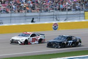 Erik Jones, Joe Gibbs Racing, Toyota Camry SportClips Reed Sorenson, Spire Motorsports, Chevrolet Camaro