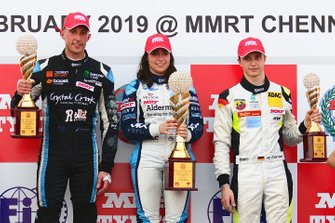 Podium: race winner Jamie Chadwick, second place Dylan Young, third place Andreas Estner